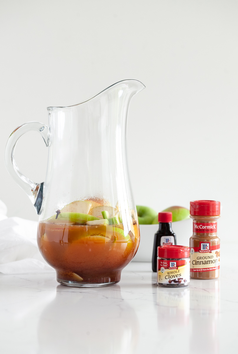 Apple Pie, Sangria, McCormick, Spices, Cinnamon, Cloves, Thanksgiving, Recipes, Red Wine