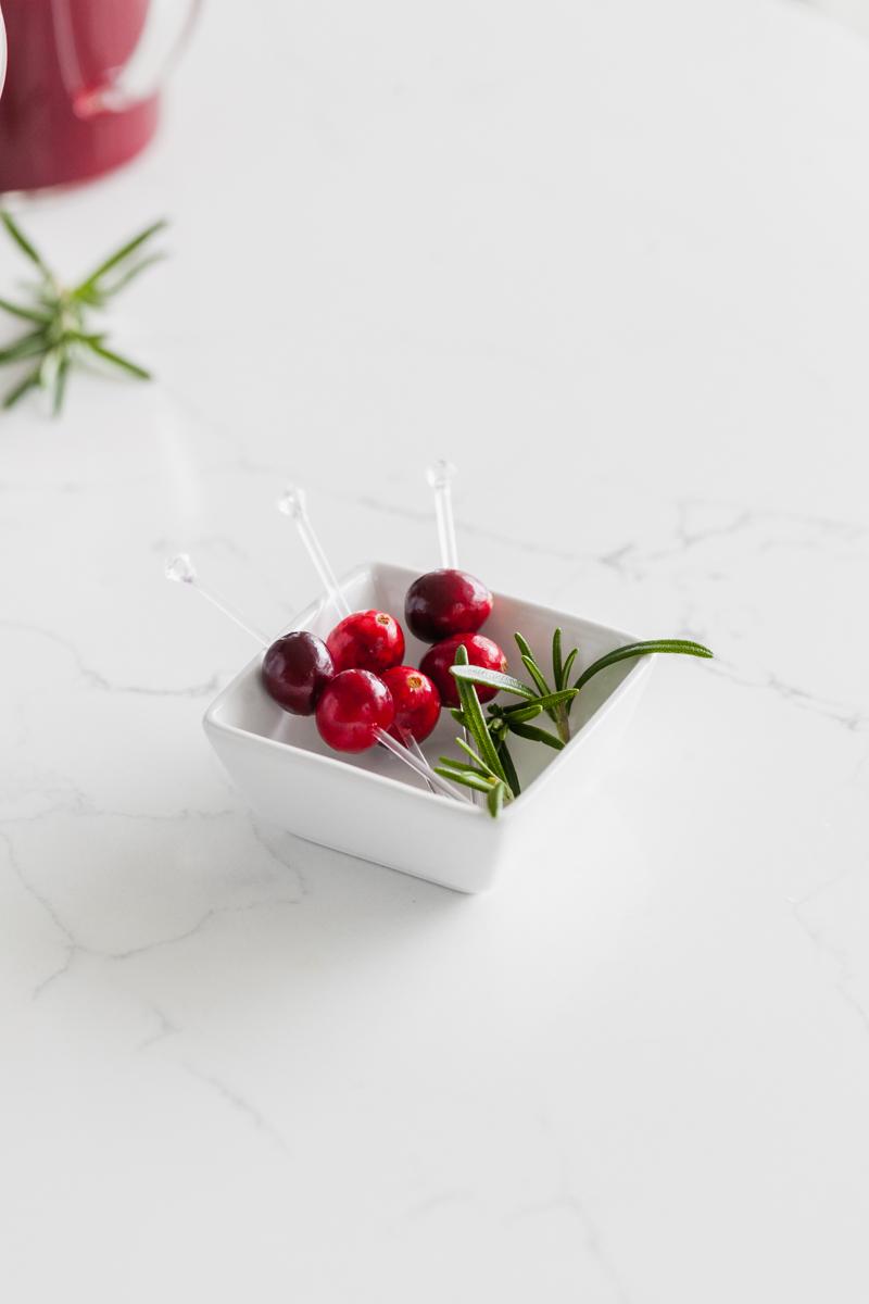 cranberry_cocktails_recipes_bellini_christmas_recipes_beverages_bellini